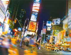 Komar Products Times Square 1-009