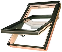 Фото Мансардное окно деревянное Fakro FTS-V U2 780х980 1 ств. (цент. ось) 1-кам.