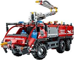LEGO Technic Спасательная машина аэропорта (42051)