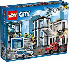 Фото LEGO City Полицейский участок (60141)