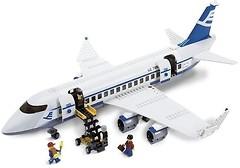 Фото LEGO City Пассажирский самолет (7893)