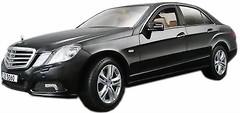 Maisto (1:18) Mercedes-Benz E-Class (31172)