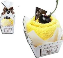 Фото Unique Cake Бисквит ваниль, вишня 27x27 желтое